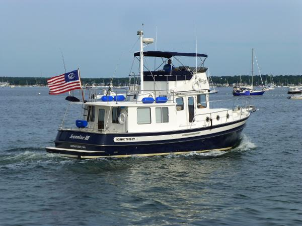 Nordic Tugs 37 Flybridge Trawler w/bow and stern thrusters!