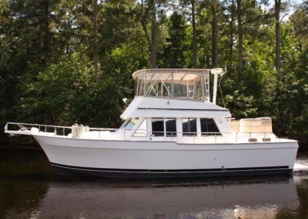 Mainship 430 Aft Cabin Trawler Port Profile