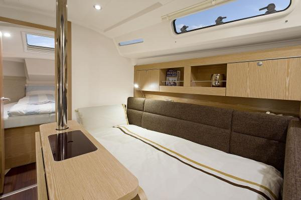 Hanse 345 Convertible Seating