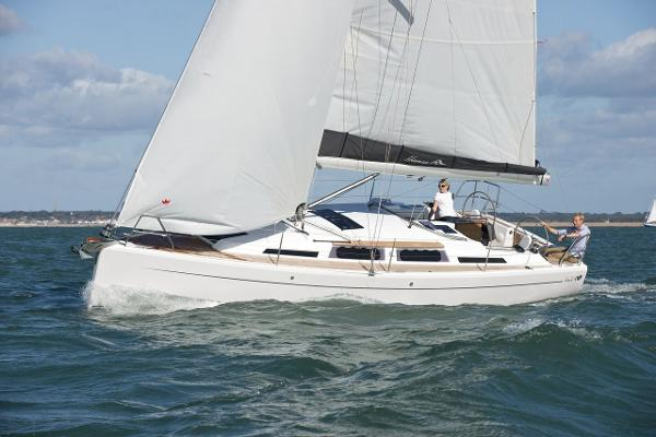 Hanse 345 Side View