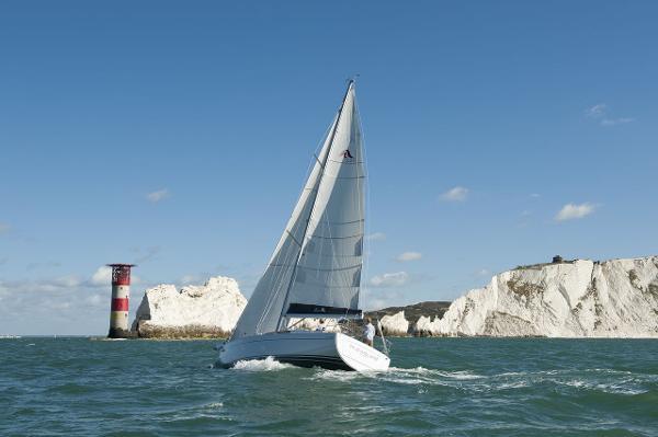 Hanse 345 Sailing