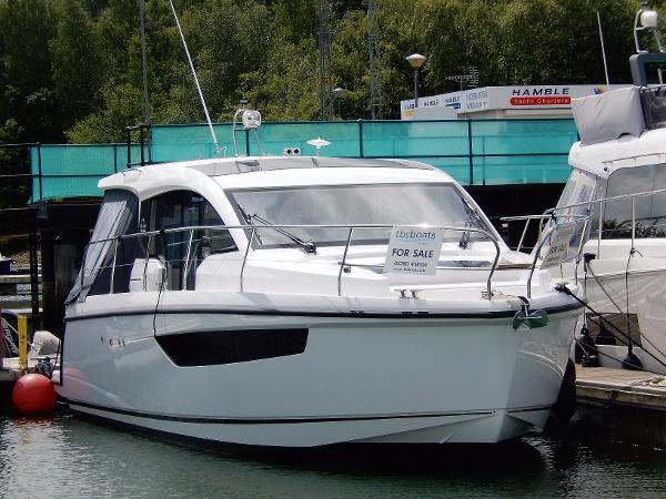 Sealine C330