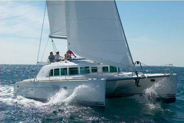 Lagoon Cat 440 - Sailing