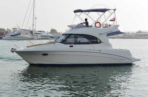 Beneteau ANTARES 30 FLY Motor Yacht