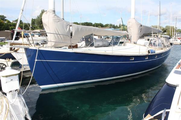 Freedom Yachts 40