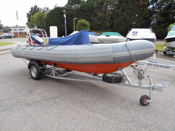 Avon 5.4m SeaRider RIB