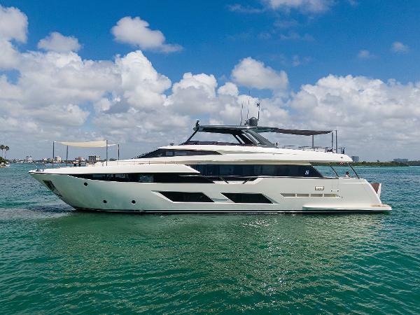 Ferretti Yachts 920  2018 Ferretti 92' ''S'' - Profile