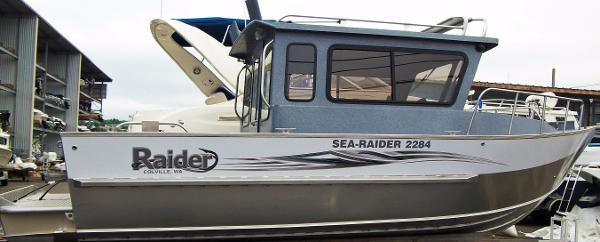 Raider Sea Raider 2284 Cuddy