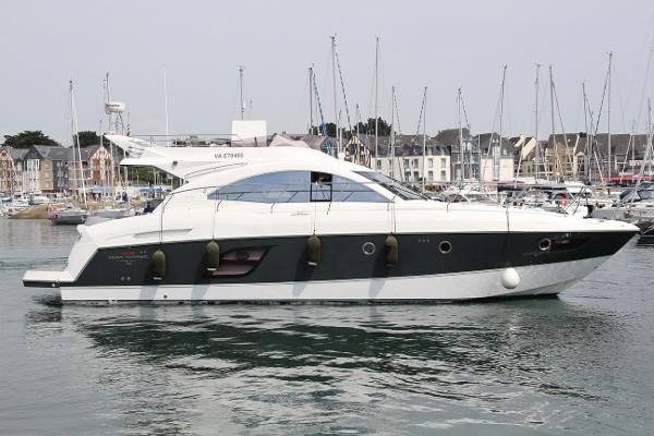 Beneteau USA Flyer GT 49 Fly