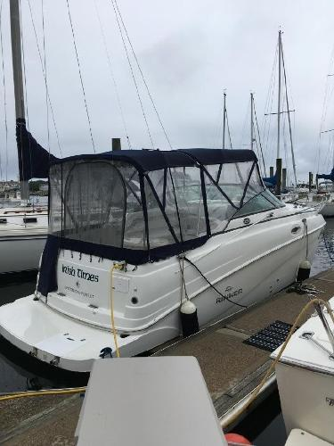 Rinker 250 Express Cruiser Starboard Stern