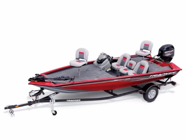 Tracker Pro Team™ 175 TXW With trailer