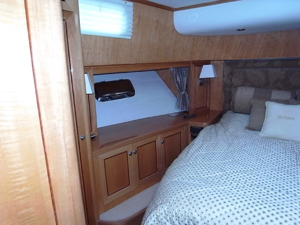 Forward guest cabin cabinetry