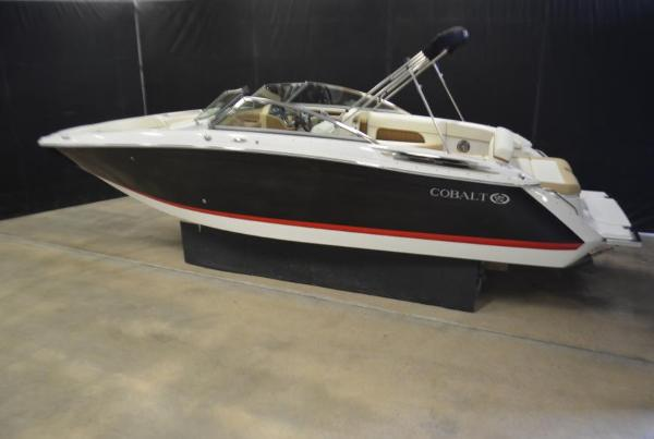 Cobalt 26 SD with 380 HP