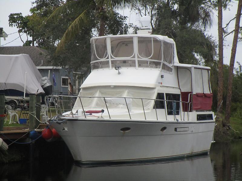 Hyatt Sundeck Trawler 44' Hyatt profile