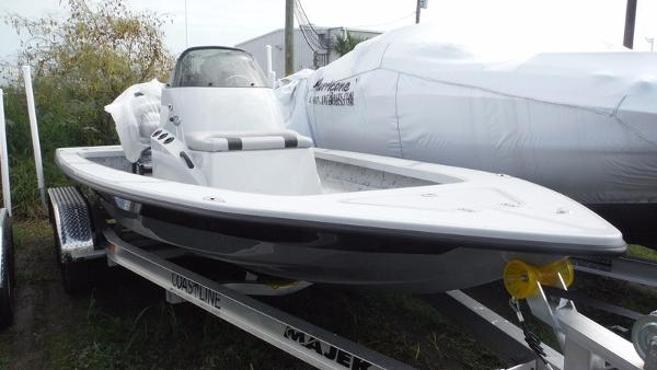 Majek Boats Xtreme 20'