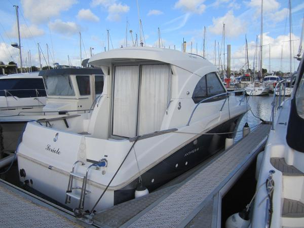 Beneteau Antares 8 S ANTARES 8S ARRIERE