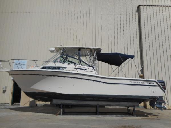 Grady-White Marlin 28