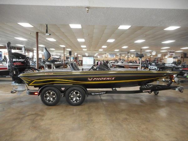 Phoenix Bass Boats 920 ProXP