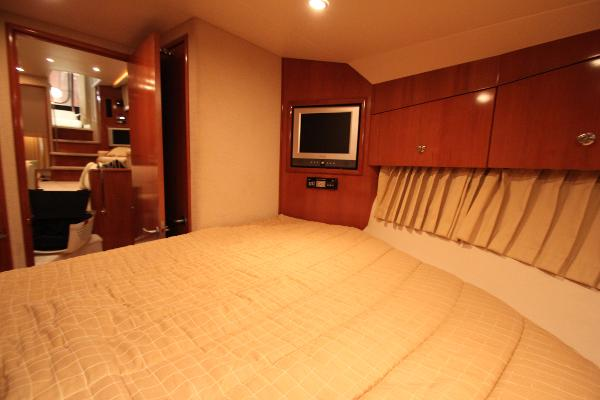 Forward stateroom w/flat panel tv