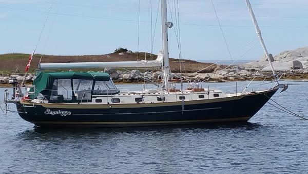 Pacific Seacraft Crealock 44