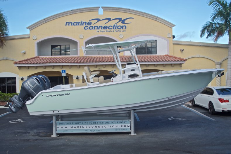 Sportsman Heritage 251 Center Console