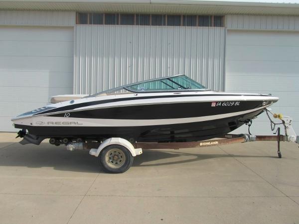 Regal 2100 Bowrider Starboard Side w/ Bimini Top