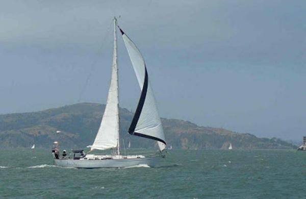 Passport Sloop Underway