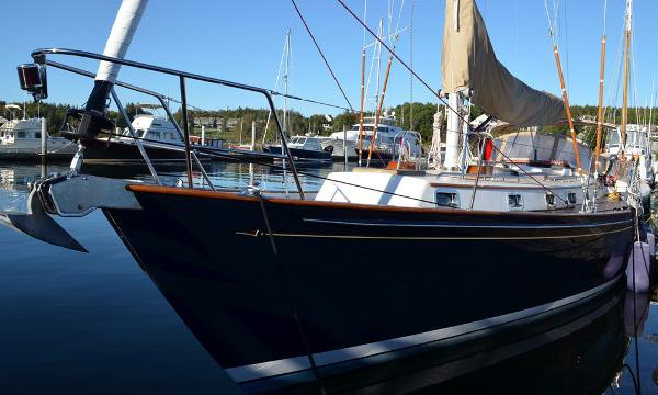Morris Yachts 42 at dock