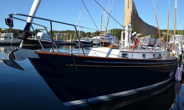 Morris Yachts 42 at dock