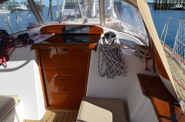 Morris Yachts 42 companionway
