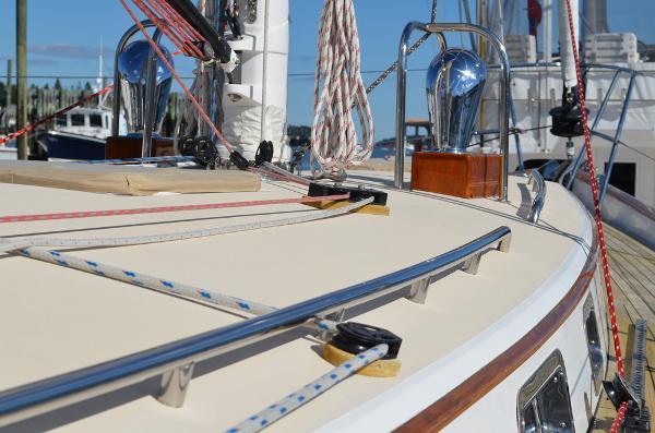 Morris Yachts 42 deck 2