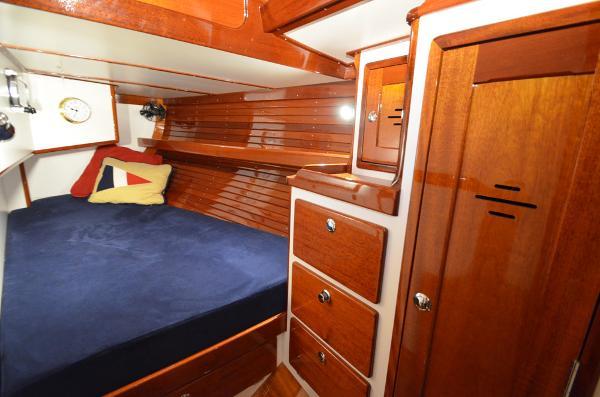 Morris Yachts 42 QBerth