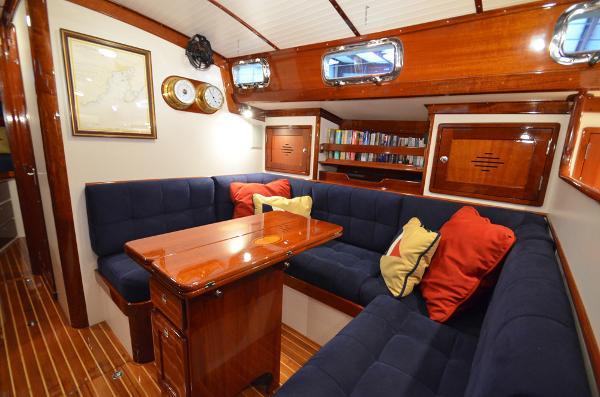Morris Yachts 42 U settee
