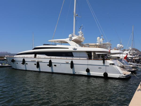 Sanlorenzo SL108 second hand motor yacht San lorenzo SL108 for sale