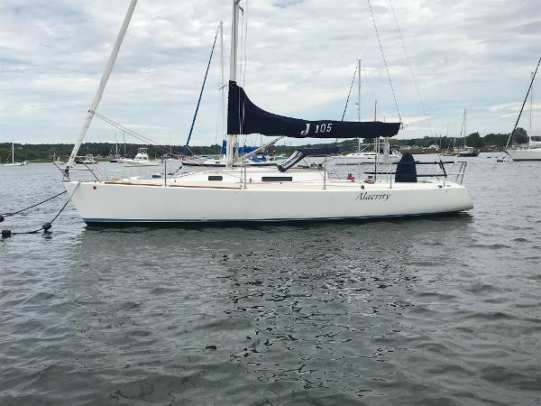 J Boats J/105 Profile 1
