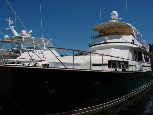 Chris-Craft Roamer 68 Flybridge Motoryacht