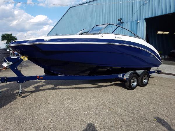Yamaha Sport Boat 242 LTD