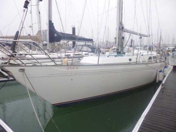 Camper & Nicholsons 476 Bow - Port