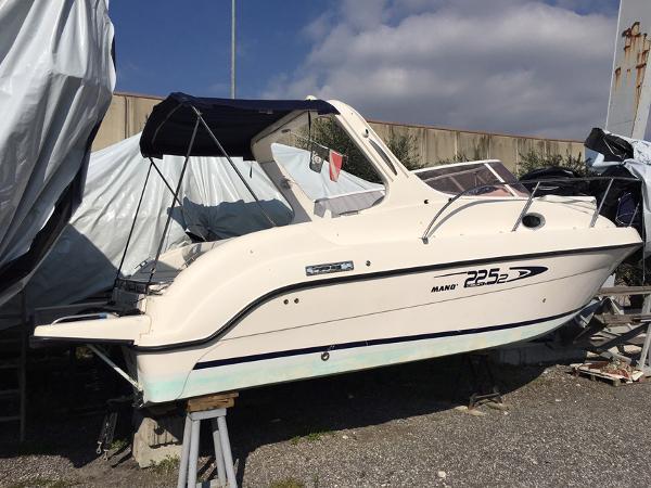 Mano Marine 22.52 Sport Cabin