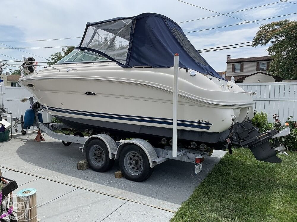 Sea Ray 215 Weekender 2005 Sea Ray 215 Weekender for sale in Brentwood, NY