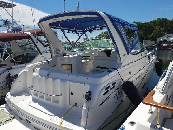 Chaparral 300 Signature Starboard Stern