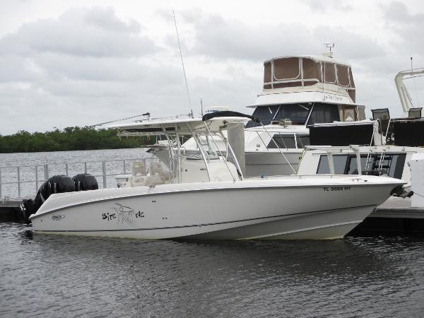 Boston Whaler 320 Outrage with 2015 Mercury 300 Verados