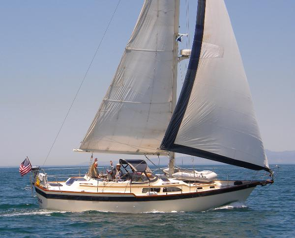 "Irwin 38 Mk II ""Gitana"" sailing"