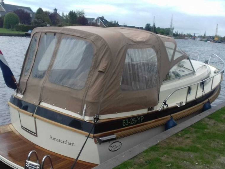 Intercruiser 28 Cabin