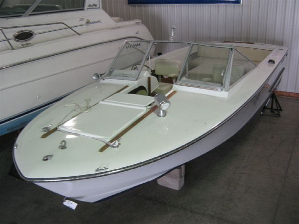 Chris-Craft Lancer