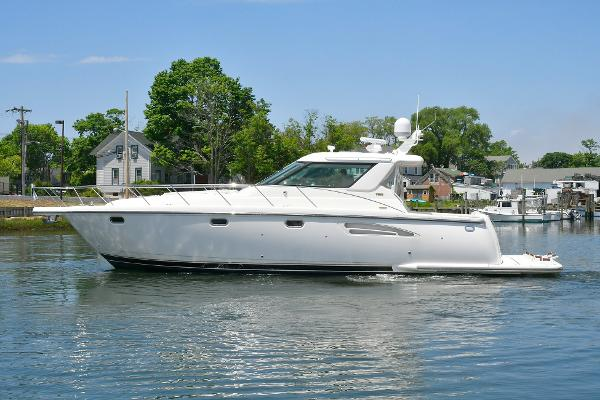 Tiara 4400 Sovran Port Side