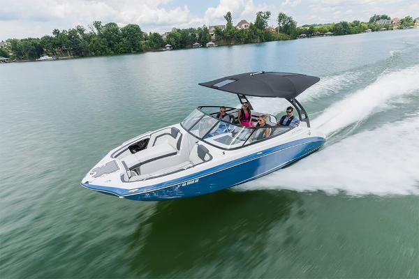 Marinemax hall marine savannah boats for sale 2 for Yamaha outboards savannah ga