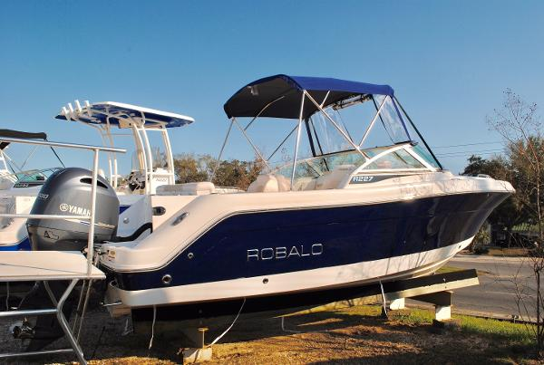 Robalo R227 Dual Console Bowrider 2017-Robalo-R227-Dual-Console-Deckboat-For-Sale