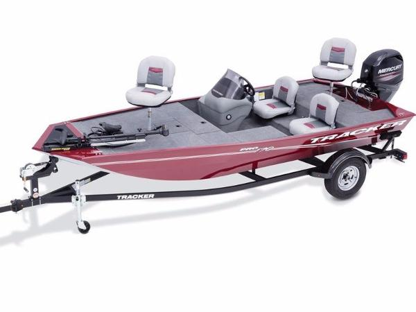 Tracker Pro 170 With trailer