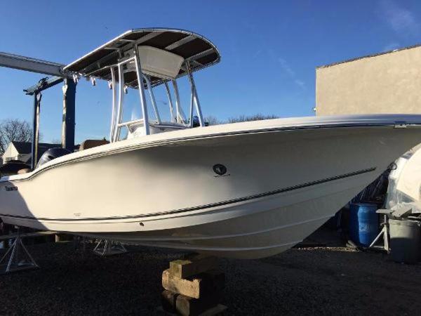 Tidewater Boats LXF 210